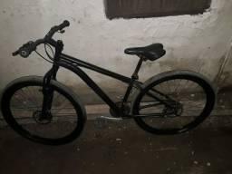Vendo bike aro 29 Pra vendas e trocas também v/t