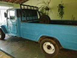 Troco por camionete que tenha carroceria de madeira