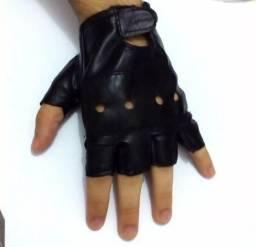 Luva couro sintético meio-dedo.