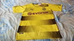 Camisa: Borussia Dortmund.