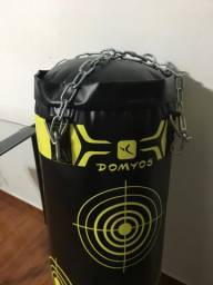 Saco de pancada da marca Domyos