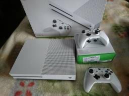 Xbox one S 1 tb 250 jogos garantia estendida nota parcelo entrego troco ps4 slim