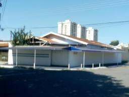 Casa comercial e residencial de esquina