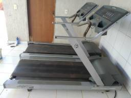 Esteiras Life Fitness