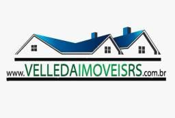 Velleda oferece bela e ampla casa c/ piscina a 500 metros da RS040, confira