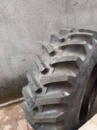 Vendo 2 pneus trator 14.09-24 , vendo separado tanbem