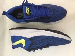Tênis Nike masculino azul