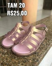 Linda sandália Semi nova