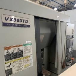 Centro de Usinagem Duplo Pallet Hyundai VX 380 TD - 2012