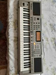 Teclado Arranjador Roland EXR 5