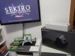 Xbox One X Novo na caixa,controle edição limitada,e 3 jogos