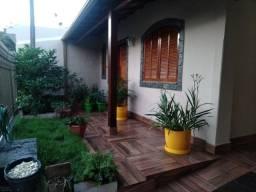 Linda casa no bairro Volta Grande 3 - Imobiliária MR IMÓVEIS