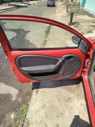 Título do anúncio: Ford Ka ano 99/2000 alarme vidro e trava quatro pneu novo arrumadinho por dentro