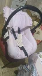 Bebê conforto com capinha