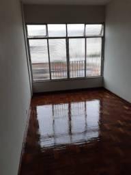 Ótimo apartamento com 02 quartos próximo ao Maracanã