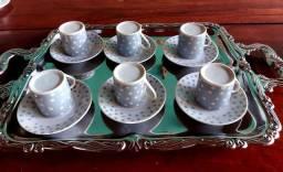 Título do anúncio: Jogo de xícaras azul com detalhes de poá