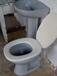 Pia e vazo sanitário