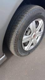 """Roda e pneu aro 13"""" Fiat"""