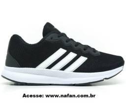 Tênis Adidas Runner Extreme Preto e Branco Tam. 39 e 40