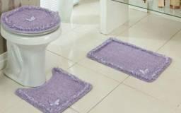 Vendo esse jogo de tapete pra banheiro mais na cor rosa