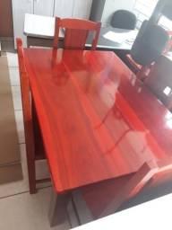 Vendo mesa nova de 4 cadeira