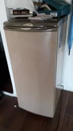 Freezer eletrolux f170