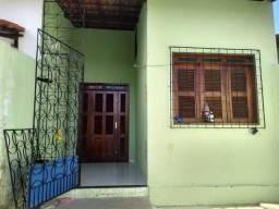 Excelente Casa com Móveis Projetados em Mangabeira Eusébio!