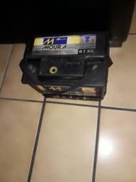 Vendo bateria Moura casco