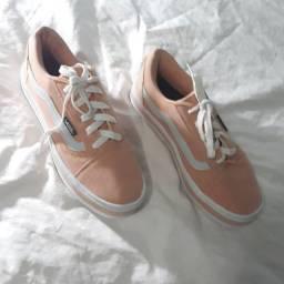 Sapato, numeração 37