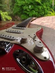 Guitarra Infantil Fender Squier Mini Strat - Vermelha