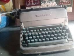 Máquina de escrever remington rand