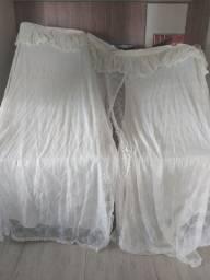 Vendo cortina trilho rainha grande 3,00 de altura e 3,5 de largura/ 95,00