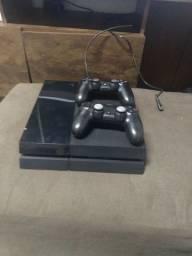 PS 4 500gb  um jogo 2 controles