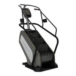 Simulador de escada profissional Matrix C3x novo