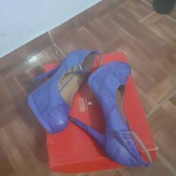 Sapatos Vizzano.