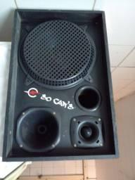 Caixa de som versátil muito top