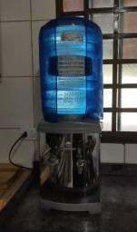 Bebedouro 110/220v Refrigerado Compressor de Mesa K11