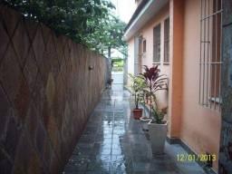 Sobrado com 3 dormitórios à venda, 355 m² por R$ 346.500 - Mutuá - São Gonçalo/RJ
