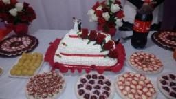 Kit festa,bolo doces e salgados