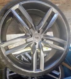 Roda aro 20 com pneus