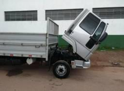 Caminhão Cargo 815
