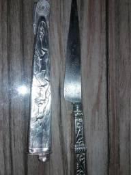 Vendo faca de prata