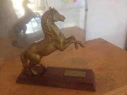 Troféu cavalo antigo