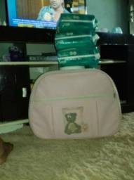 Mala maternidade +3 pacote de fraldas xg pampers por 120 reia