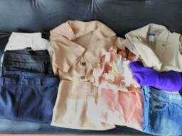 Lote de roupas femininas com 10 peças P-M- G