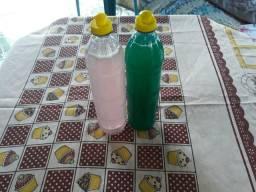 Sabão líquido e detergente feito a mão