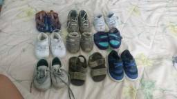 Nove pares de sapatos/sandalhas