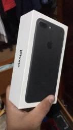 Vendo caixa IPhone 7Plus e fone