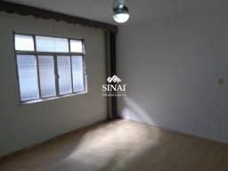 Apartamento - VISTA ALEGRE - R$ 1.300,00