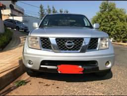Nissan frontier (FAÇO DIVIDIDO)